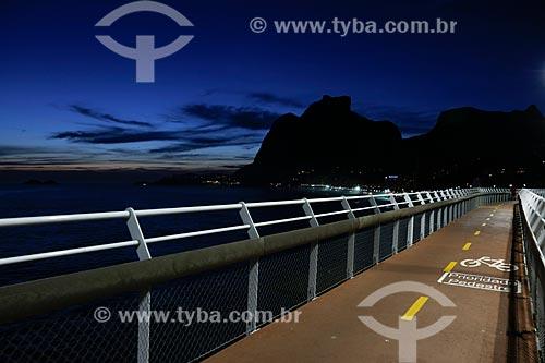 Amanhecer na Ciclovia Tim Maia com a Pedra da Gávea ao fundo  - Rio de Janeiro - Rio de Janeiro (RJ) - Brasil