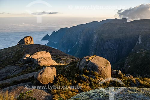 Vista do Vale do Garrafão no Parque Nacional da Serra dos Órgãos durante a trilha da Pedra do Sino  - Teresópolis - Rio de Janeiro (RJ) - Brasil