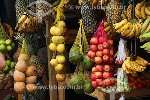 Frutas à venda na feira livre da cidade de Parintins  - Parintins - Amazonas (AM) - Brasil