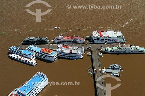 Foto aérea de chalanas - embarcações regionais - no Porto de Parintins  - Parintins - Amazonas (AM) - Brasil