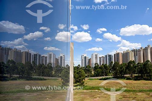 Reflexo de prédios na paisagem urbana  - Brasília - Distrito Federal (DF) - Brasil