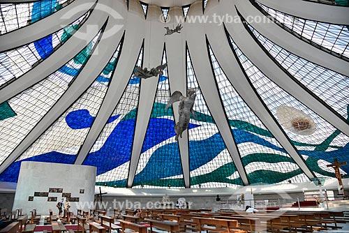 Interior da Catedral Metropolitana de Nossa Senhora Aparecida (1958) - também conhecida como Catedral de Brasília  - Brasília - Distrito Federal (DF) - Brasil