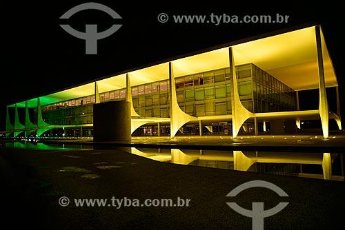 Palácio do Planalto - sede do governo do Brasil - à noite  - Brasília - Distrito Federal (DF) - Brasil