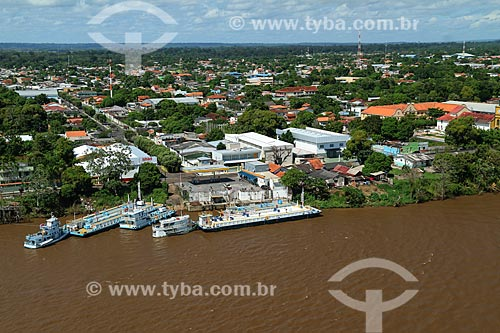 Foto aérea de posto de gasolina na orla do Rio Amazonas  - Parintins - Amazonas (AM) - Brasil