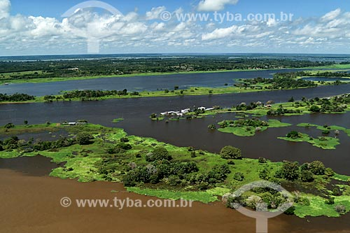 Vista de cima do encontro das águas de canal com Rio Amazonas  - Parintins - Amazonas (AM) - Brasil
