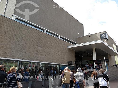 Visitantes na fila de entrada do Museu Van Gogh  - Amsterdam - Holanda do Norte - Holanda