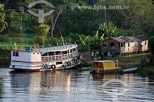 Comunidade ribeirinha às margens do Rio Amazonas  - Careiro da Várzea - Amazonas (AM) - Brasil