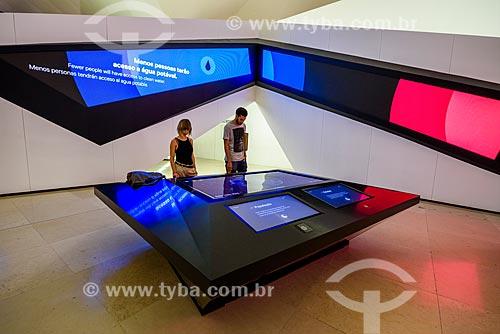 Mesas interativas Sociedade, Planeta e Humano - com jogos que convidam o visitante a pensar na nossa existência daqui a 50 anos - no Museu do Amanhã  - Rio de Janeiro - Rio de Janeiro (RJ) - Brasil