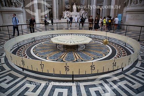 Pêndulo de Foucault em exibição no Panthéon de Paris (Panteão de Paris)  - Paris - Paris - França