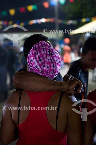 Detalhe de mulher durante a festa da Morte do Boi - período da morte do personagem principal do bumba-meu-boi  - São José de Ribamar - Maranhão (MA) - Brasil