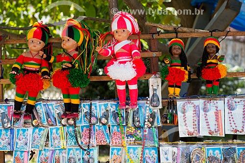 Bonecas e artigos religiosos à venda na cidade de São José de Ribamar  - São José de Ribamar - Maranhão (MA) - Brasil
