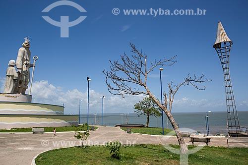 Estátua de São José de Ribamar com a Baía de São José ao fundo  - São José de Ribamar - Maranhão (MA) - Brasil