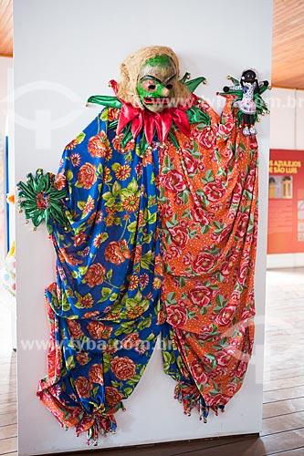 Detalhe de fantasia de Fofão - personagem do carnaval maranhense - em exibição na Casa do Maranhão  - São Luís - Maranhão (MA) - Brasil