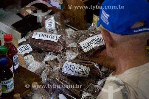 Ervas medicinais - copaíba, barbatimão, açoita cavalo - à venda no Mercado Central de São Luís  - São Luís - Maranhão (MA) - Brasil