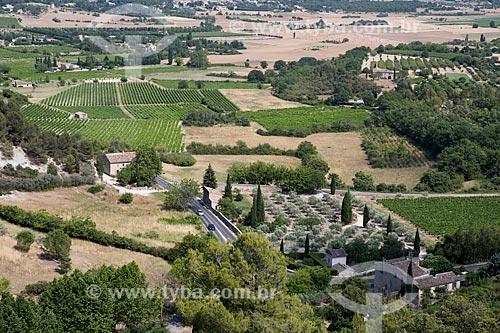 Vista geral dos campos da cidade de Gordes  - Gordes - Departamento de Vaucluse - França