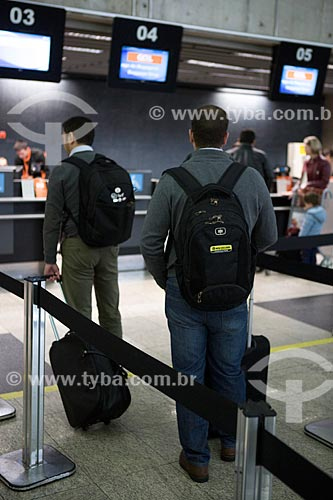 Fila para o check-in da GOL - Linhas Aéreas Inteligentes - no Aeroporto Internacional Afonso Pena  - São José dos Pinhais - Paraná (PR) - Brasil