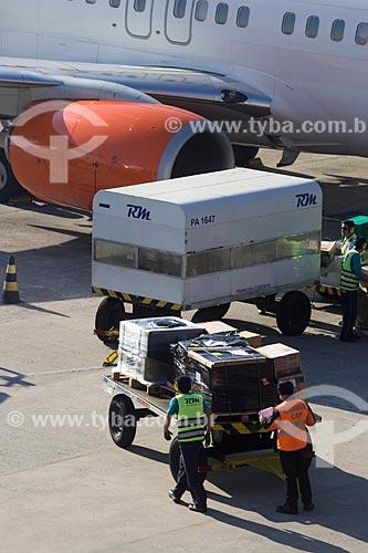 Embarque de bagagem no Aeroporto Internacional Afonso Pena - também conhecido como Aeroporto Internacional de Curitiba  - São José dos Pinhais - Paraná (PR) - Brasil