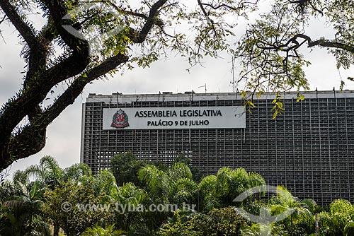 Vista do Palácio 9 de Julho (1968) - sede da Assembléia Legislativa de São Paulo (ALESP) - a partir do Parque do Ibirapuera  - São Paulo - São Paulo (SP) - Brasil