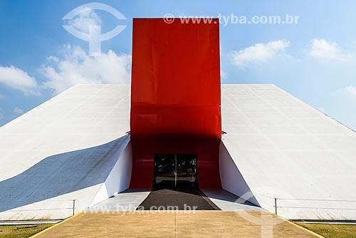 Detalhe da fachada do Auditório do Ibirapuera (2005)  - São Paulo - São Paulo (SP) - Brasil