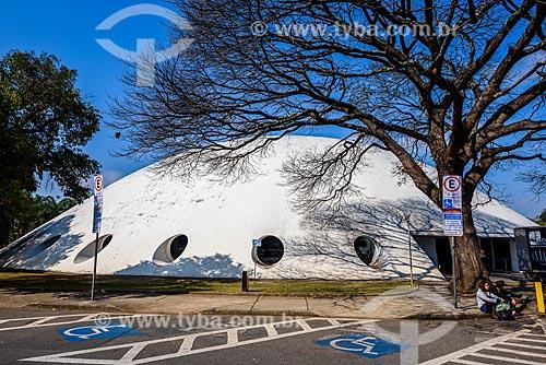 Fachada do Pavilhão Lucas Nogueira Garcez - também conhecido com Oca - no Parque do Ibirapuera  - São Paulo - São Paulo (SP) - Brasil