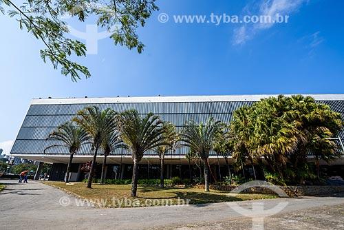 Fachada do Pavilhão Ciccillo Matarazzo - também conhecido como Pavilhão da Bienal - abriga a Fundação Bienal de São Paulo e o Museu de Arte Contemporânea (MAC)  - São Paulo - São Paulo (SP) - Brasil