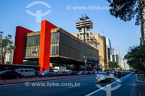 Vista da fachada do Museu de Arte de São Paulo (MASP) a partir da Avenida Paulista  - São Paulo - São Paulo (SP) - Brasil