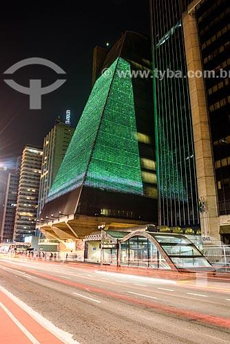 Detalhe da fachada da Federação das Indústrias do Estado de São Paulo (FIESP) iluminada na Avenida Paulista  - São Paulo - São Paulo (SP) - Brasil