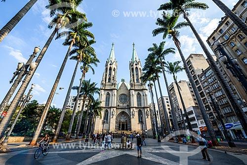 Vista da Praça da Sé com a Catedral da Sé (Catedral Metropolitana Nossa Senhora da Assunção) ao fundo  - São Paulo - São Paulo (SP) - Brasil