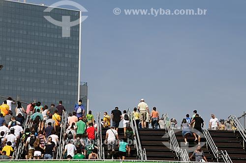 Escada de acesso ao BRT (Bus Rapid Transit) no Parque Olímpico - Olimpíadas Rio 2016  - Rio de Janeiro - Rio de Janeiro (RJ) - Brasil