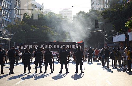 Manifestação na Rua Conde de Bonfim no dia da abertura dos Jogos Olímpicos - Rio 2016  - Rio de Janeiro - Rio de Janeiro (RJ) - Brasil