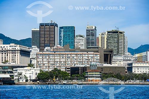 Vista de edifícios no centro do Rio de Janeiro a partir da Baía de Guanabara  - Rio de Janeiro - Rio de Janeiro (RJ) - Brasil