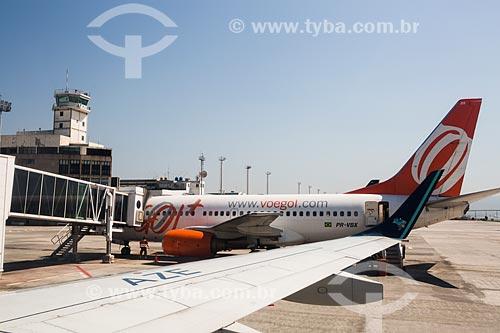 Avião da GOL - Linhas Aéreas Inteligentes - na pista do Aeroporto Santos Dumont  - Rio de Janeiro - Rio de Janeiro (RJ) - Brasil