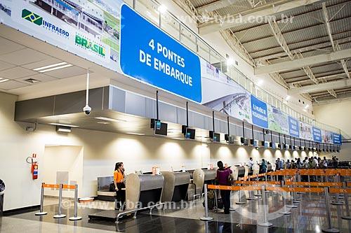 Fila para o check-in no Aeroporto Santa Genoveva  - Goiânia - Goiás (GO) - Brasil