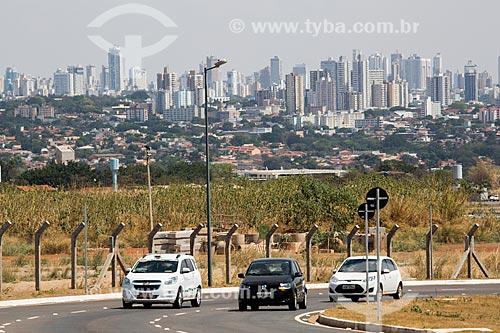 Trecho da estrada que liga o Aeroporto Santa Genoveva à cidade de Goiânia  - Goiânia - Goiás (GO) - Brasil