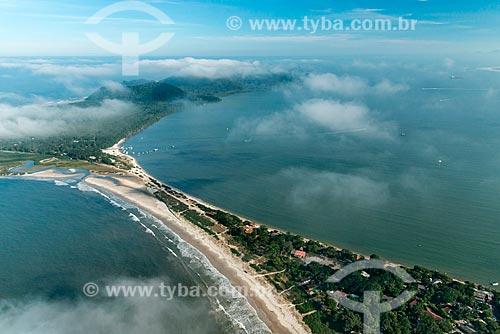 Vista aérea da Comunidade Nova Brasília - Ilha do Mel  - Paranaguá - Paraná (PR) - Brasil
