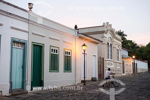 Casarios na Rua Senador Caiado durante o pôr do sol  - Goiás - Goiás (GO) - Brasil
