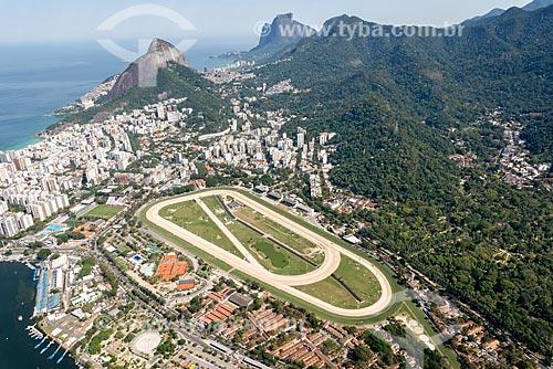 Foto aérea do Hipódromo da Gávea com a Pedra da Gávea ao fundo  - Rio de Janeiro - Rio de Janeiro (RJ) - Brasil