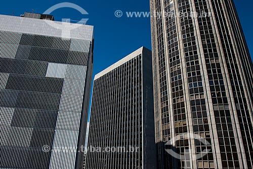 Fachada do Edifício Barão de Mauá - à esquerda - Palácio Austregésilo de Athayde (1979) - ao fundo - e do Edifício Santos Dumont (1975) à direita  - Rio de Janeiro - Rio de Janeiro (RJ) - Brasil