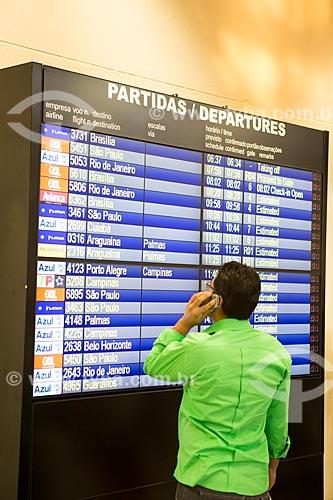 Painel de voos no Aeroporto Santa Genoveva  - Goiânia - Goiás (GO) - Brasil