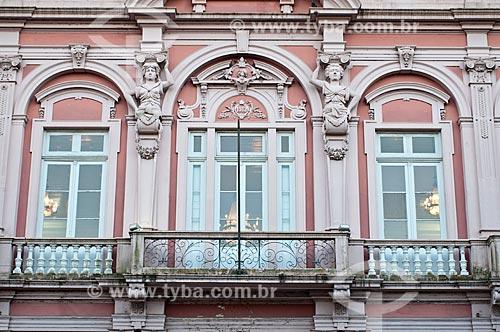 Detalhe da fachada da Bibliotheca Pública Pelotense (1888)  - Pelotas - Rio Grande do Sul (RS) - Brasil
