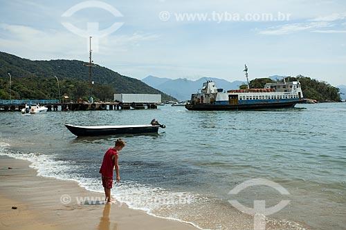 Barca chegando na Vila do Abraão  - Angra dos Reis - Rio de Janeiro (RJ) - Brasil