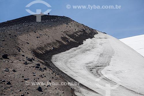 Turistas na trilha do Vulcão Osorno  - Província de Osorno - Chile