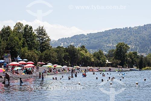 Banhistas no Lago Ranco  - Lago Ranco - Província de Ranco - Chile