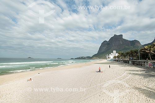 Praia de São Conrado com a Pedra da Gávea ao fundo  - Rio de Janeiro - Rio de Janeiro (RJ) - Brasil