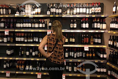 Vinhos à venda no Mercado Central de Santiago  - Santiago - Província de Santiago - Chile