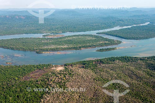 Foto aérea da tribo Rikaro na Terra Indígena Kayapó - com o Rio Xingu ao fundo  - São Félix do Xingu - Pará (PA) - Brasil