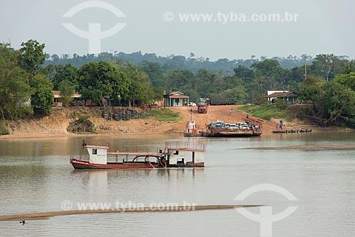 Travessia de balsa no Rio Fresco  - São Félix do Xingu - Pará (PA) - Brasil