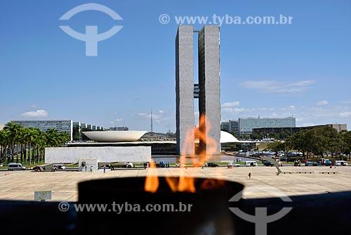 Vista do Congresso Nacional a partir da pira do Panteão da Pátria e da Liberdade Tancredo Neves na Praça dos Três Poderes  - Brasília - Distrito Federal (DF) - Brasil