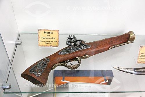 Pistola de pederneira em exibição na Casa da Memória  - Vila Velha - Espírito Santo (ES) - Brasil