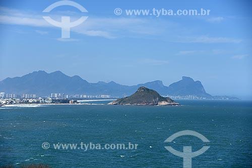 Vista da Pedra do Pontal a partir da Avenida Estado da Guanabara com a Pedra da Gávea ao fundo  - Rio de Janeiro - Rio de Janeiro (RJ) - Brasil